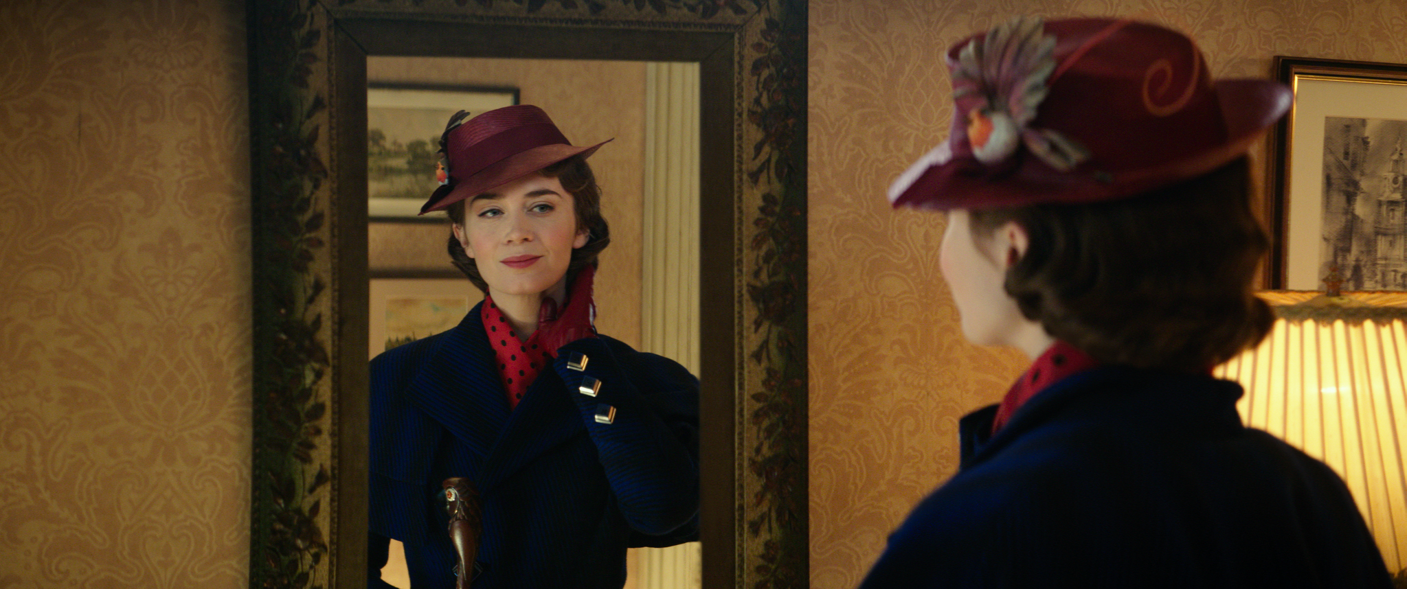 Mary Poppins (Emily Blunt)