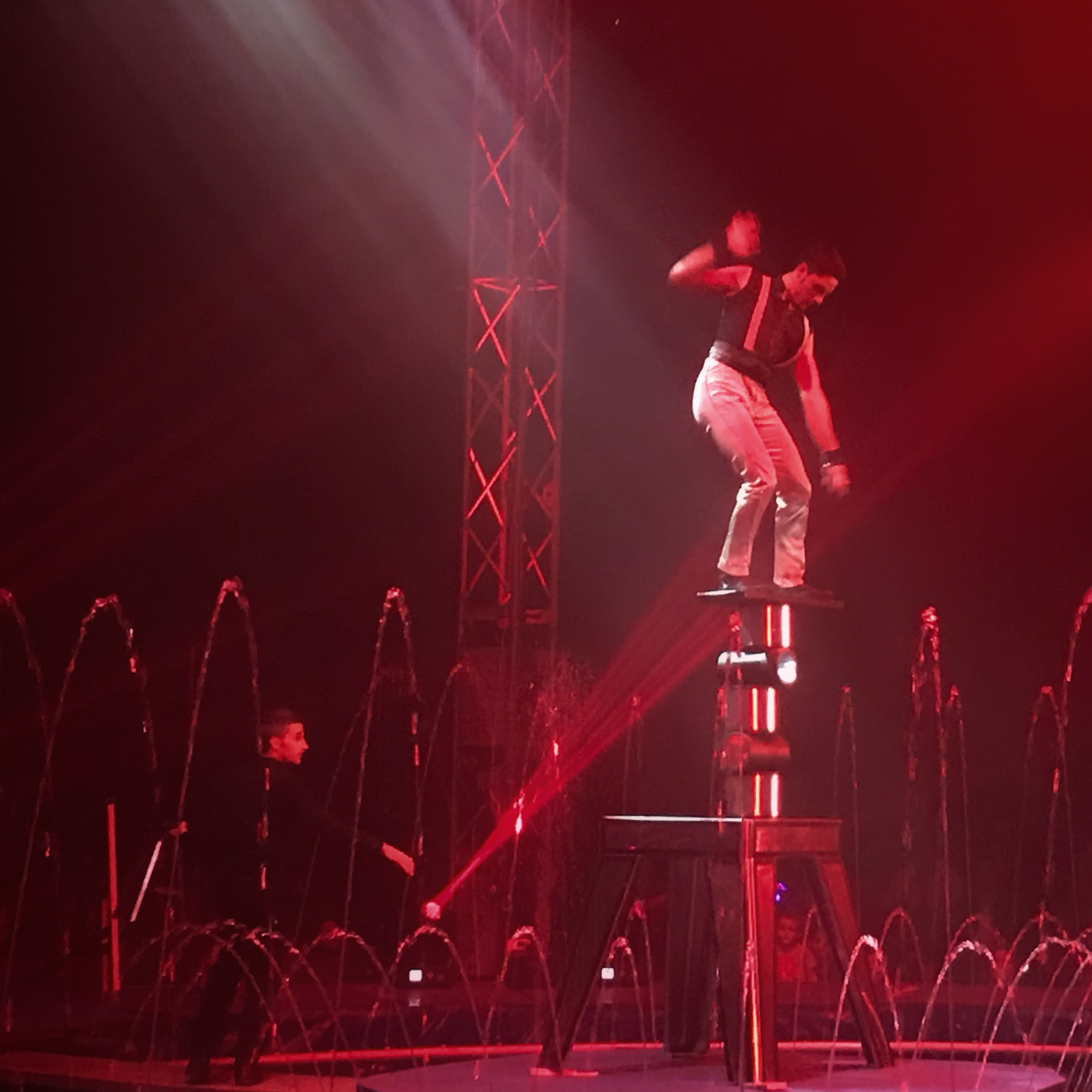 Cirque Italia Water Circus Trippin with Tara