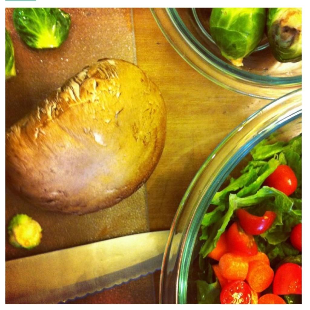 Fresh mushroom and veggie salad